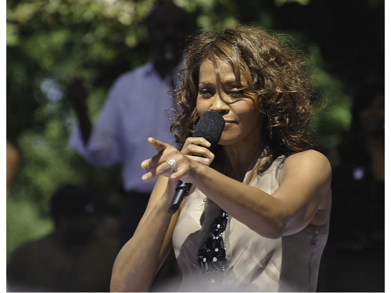patrizia mottola ha doppiato whitney houston